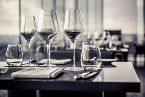 verschiedene Weingläser