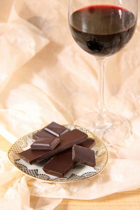 wein welche schokolade passt zu welchem wein. Black Bedroom Furniture Sets. Home Design Ideas