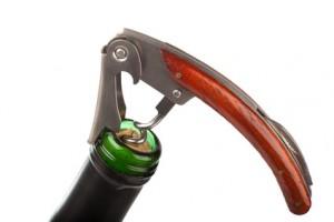 Edler Korkenzieher auf Weinflasche