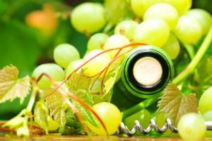 Weißwein-und-Trauben