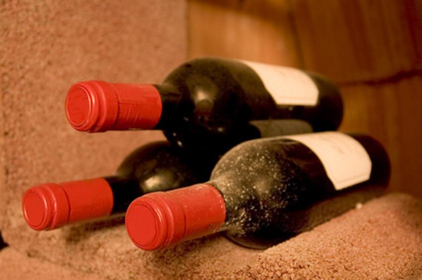 wein wein richtig lagern wie guter wein zum spitzenwein wird. Black Bedroom Furniture Sets. Home Design Ideas
